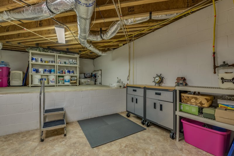 Storage-and-Workshop-Space