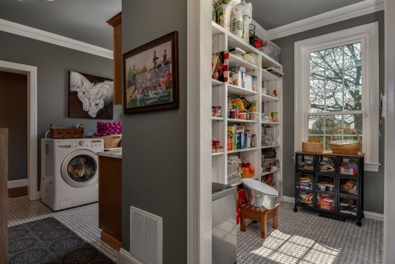 Pantry-laudry (Custom)
