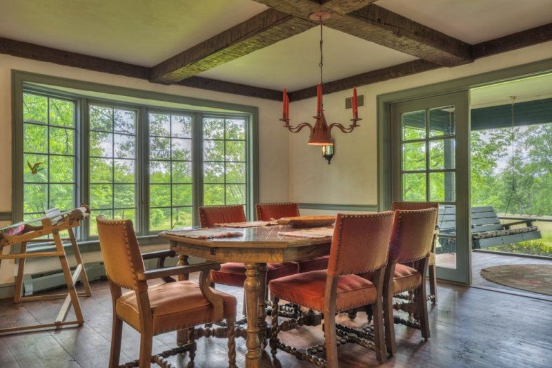 17A-MH-Dining-to-Porch