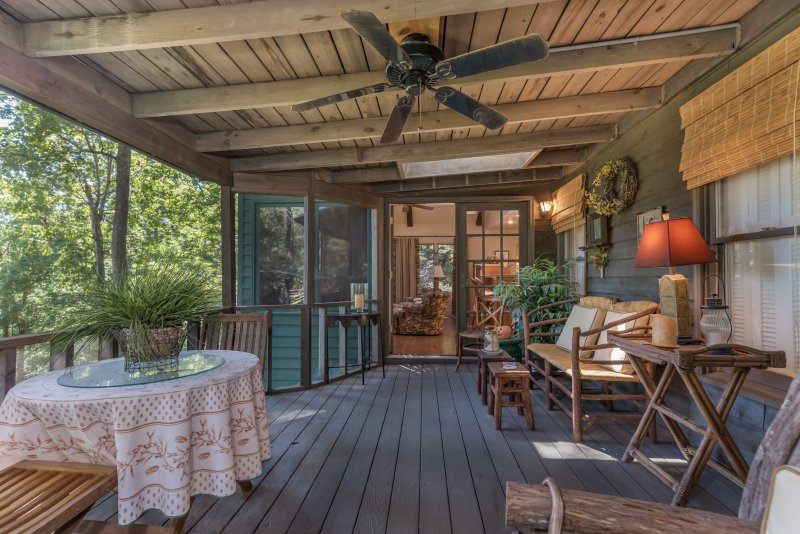 Screen-Porch-to-Keeping-Room-and-Kitchen