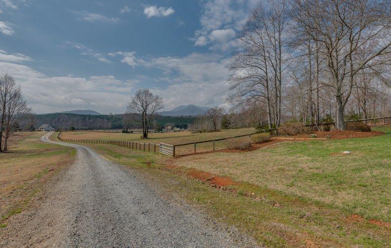 Driveway & mtn views