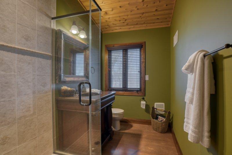 Guest-Bath-1st-Fl