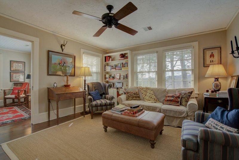 Guest-Suite-Sitting-Rm