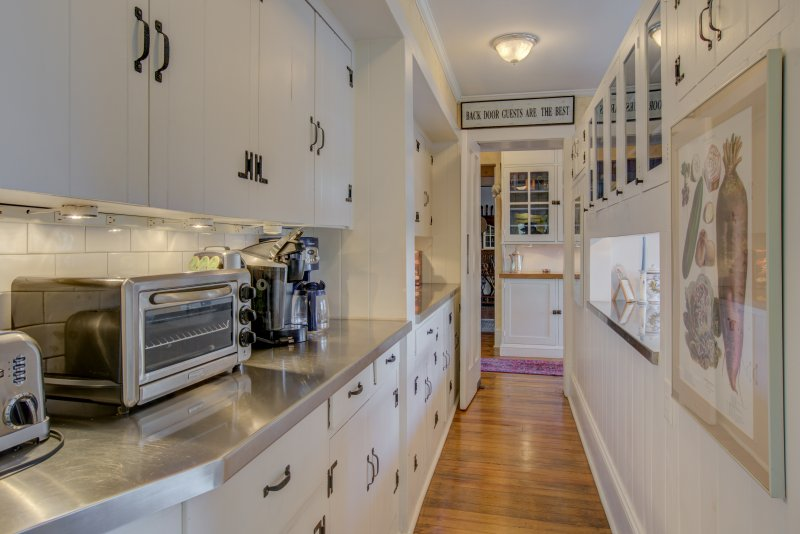 Kitchen-Butlers-Pantry