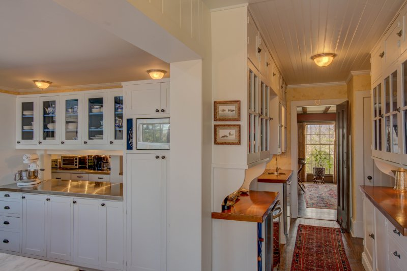 Kitchen-Wet-Bar-Serving