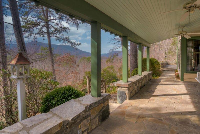 Stone-Patio-Views