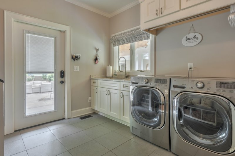 019-MH-Laundry