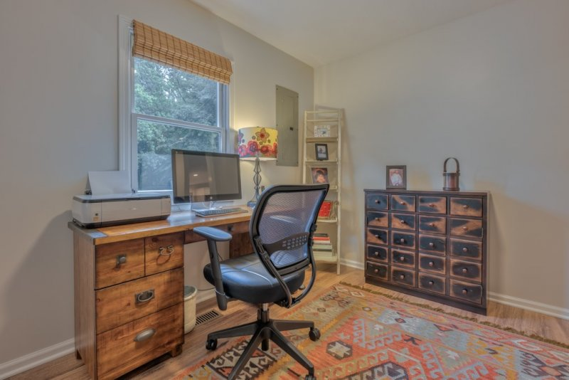 054-GH-Office-of-Guest-House